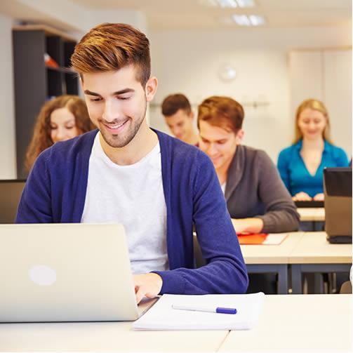 A tecnologia não substitui os professores